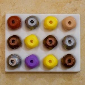 6-hole atoms